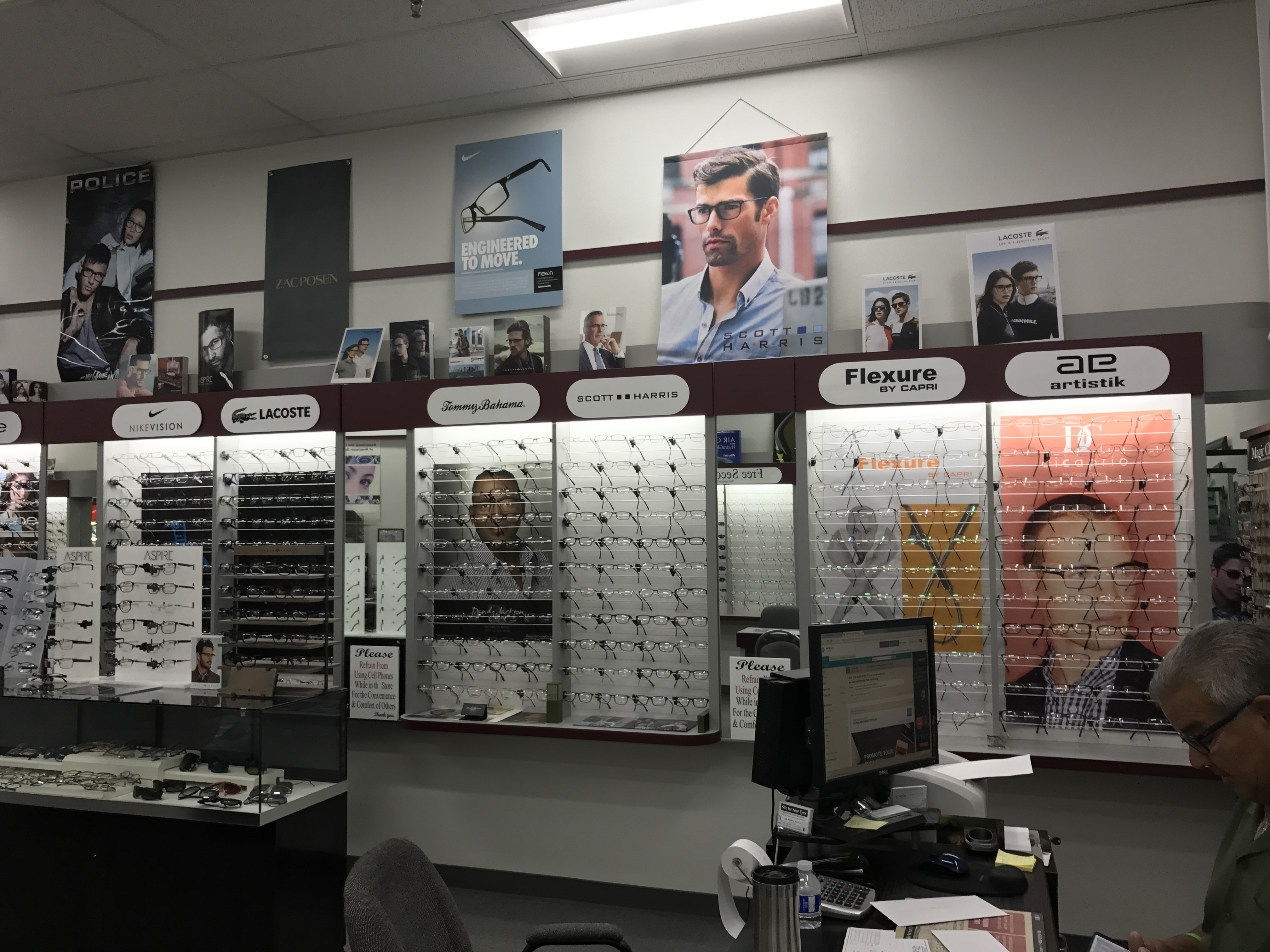 Store Page - Vacaville - Glasses Display