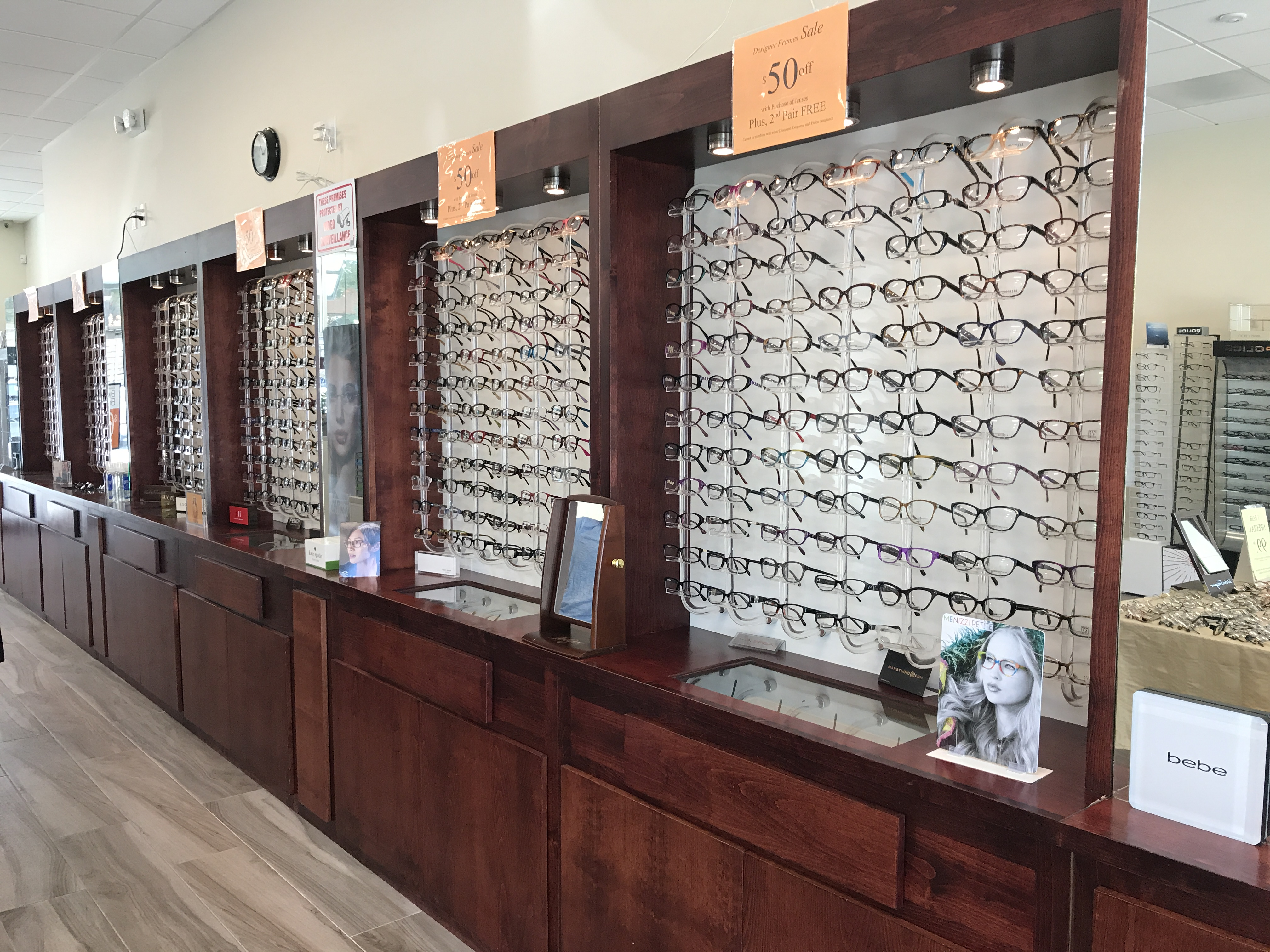 Store Page - Cupertino - Glasses Display