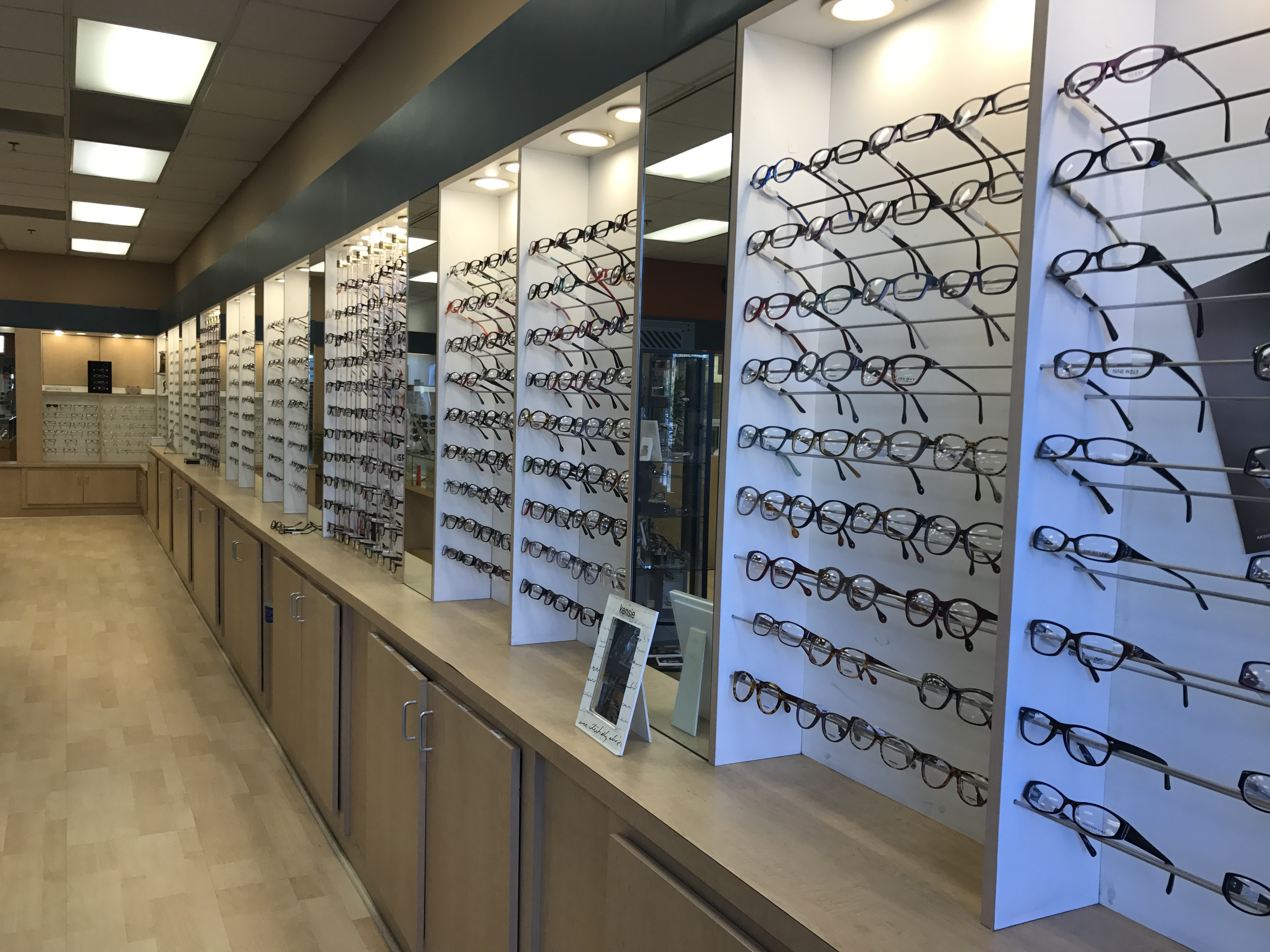Store Page - Redwood City - Glasses Display