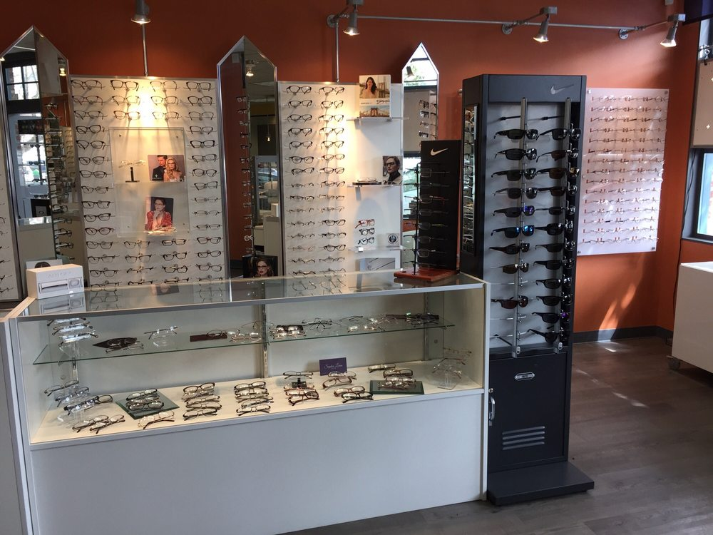 Store Page - West Portal - Glasses Display