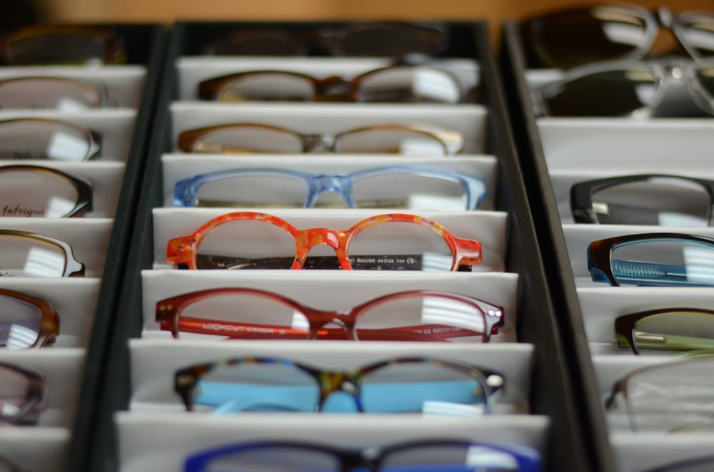 Store Page - San Mateo - Glasses Display